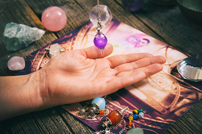 New Age Psychic Shop Chicago Palm Reading