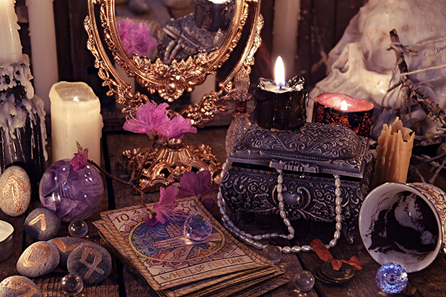 New Age Psychic Shop Chicago Tarot Card Reading